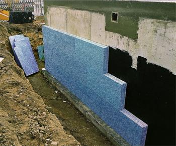 Утепление цокольной стены материалом ТОТФОАМ